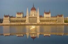 parlament, vagyonosodás