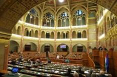 költségvetés 2012, parlament