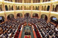 költségvetés 2013, költségvetési tanács, parlament