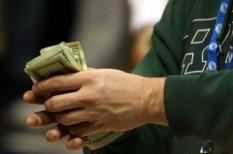 dollár, erste, euró árfolyam, görög válság, részvény, spanyol mentőcsomag