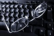 cégvezető, it-biztonság, kkv informatika, laptop, okostelefon, vállalati informatika