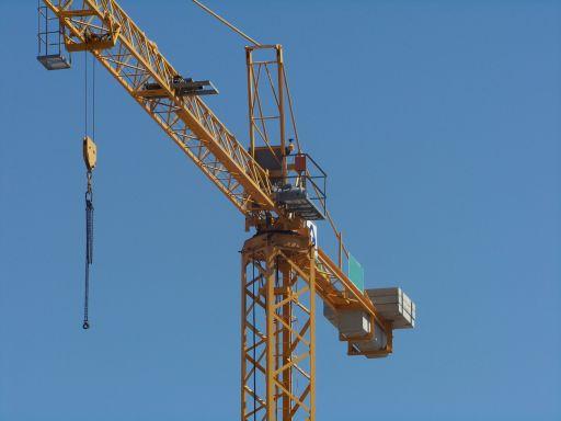 építkezés512