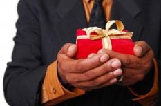 ajándékozás, arculat, kapcsolatépítés