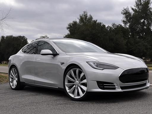 A Tesla elektromos modellje - egyre többet tudnak
