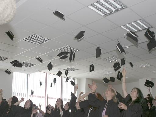 Nem tudjuk megtartani a tehetséges fiatalokat - Kép: SXC