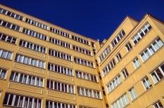 irodaépület, környezet, korszerűsítés, lakásárak, távfűtés