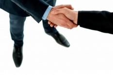 kapcsolatépítés, üzleti partnerség