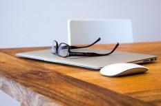 íróasztal, iroda, kreativitás, munkakörnyezet, munkapszichológia