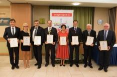 díj, elismerés, etika, felelős vállalat, fenntarthatósági csúcs, üed2014, üzleti etikai díj