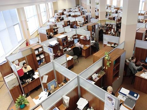 egyterű irodában marad a legtöbb irat
