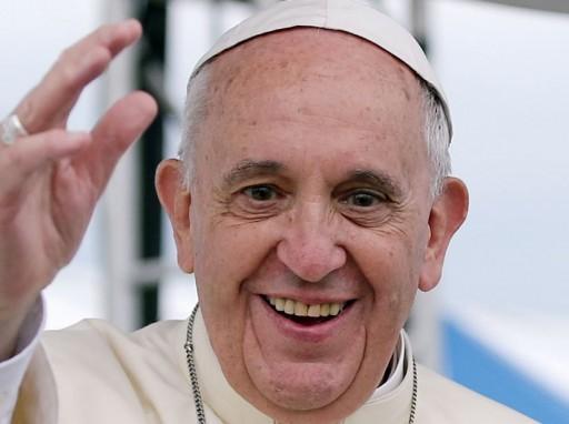 Ferenc pápa üdvözli rajongóit - pontosabban híveit (fotó: Wikipédia)