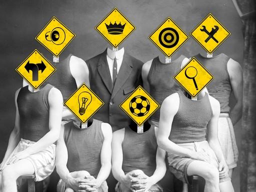 családi csoportkép, különböző tulajdonságokkal