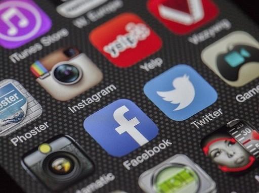a hirtelen felűnő közösségi gazdaságon alapuló riválisoktól félnek a cégek