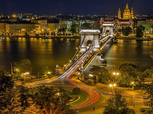 budapest esti látképe