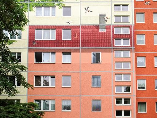 Zsúfoltan, kis lakásban, drágán lakik a magyar