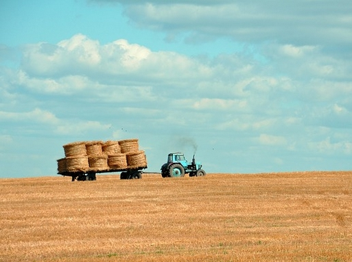 traktor_mezon_pixabay