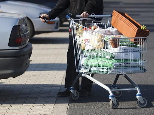 feloldozást kaphatnak a csemegepultos áruházak