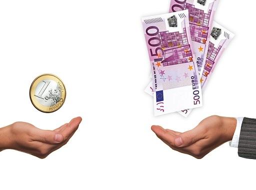 kicsi és magas fizetés egymással szemben
