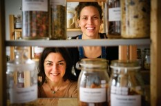 élelmiszer-kiskereskedelem, etikus üzlet, fenntarható fejlődés, fenntartható fogyasztás, sikersztori, szenvedélybiznisz
