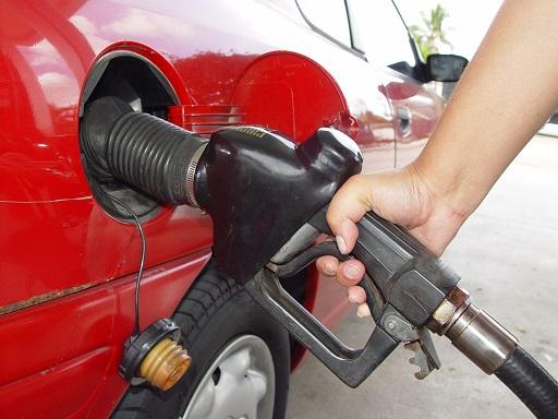 olcsóbb lesz a tankolás