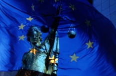 európai bíróság, jogi szabályozás, kartell, luxusmárkák, online kereskedelem