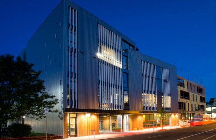 Ugye látni, miért hívják ezt az épületet Radiátornak. (fotó: Path Architecture)