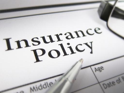 dokumentum, insurance policy felirattal