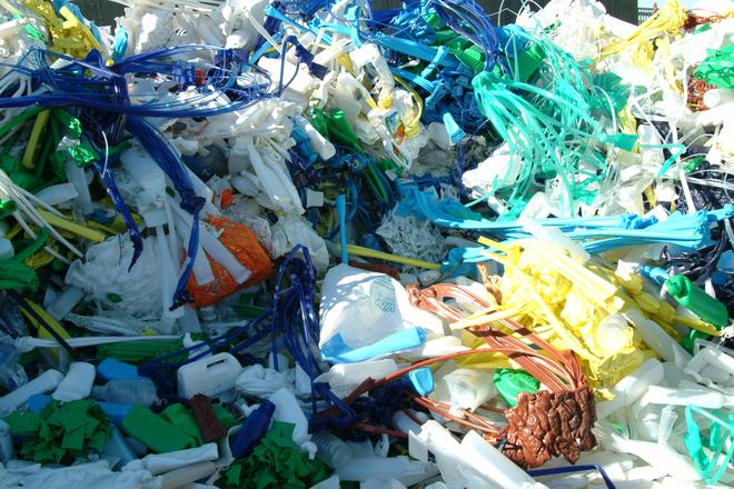 Civilizácónk maradandó alkotása: plasztikszemét (fotó: freeimages.com)