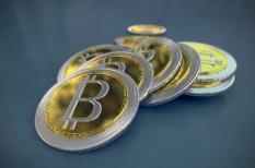 átutalás, bank, bitcoin, digitális gazdaság, digitális tárca, internet, pénz, tranzakció
