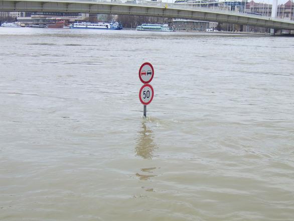 budapest-flood-1229982