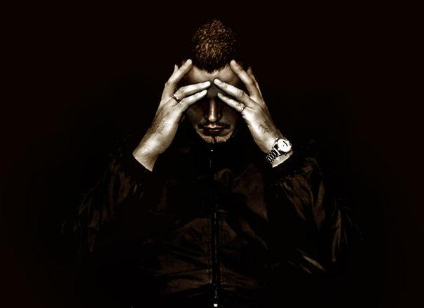 portrait-closeup-people-emotion-depress-1487978