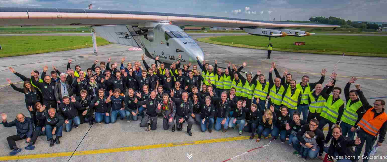 Hát ők mind nem tudnak felszállni a fedélzetre. A Solar Impulse 2 ugyanis egyszemélyes.