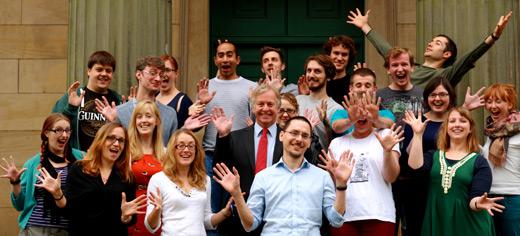 McKay és a tanítványai, akik ötleteltek nekil. (fotó: Uni of Leeds)