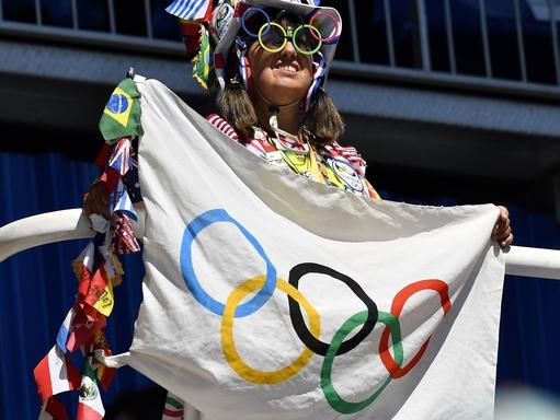 Rio de Janeiro, 2016. augusztus 13. Egy szurkoló az atlétikai versenyeken a Rio de Janeiró-i Olimpiai Stadionban 2016. augusztus 13-án. MTI Fotó: Czeglédi Zsolt