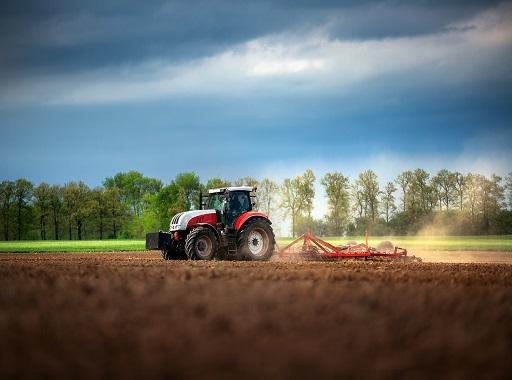 traktor mezőgazdaság