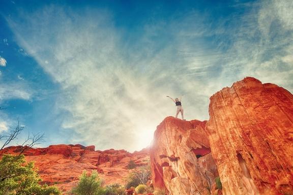 ember a hegy csúcsán