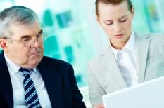 beosztott, főnök, iroda, konfliktus, menedzser, munkahely, munkavégzés, pszichológia, viselkedés