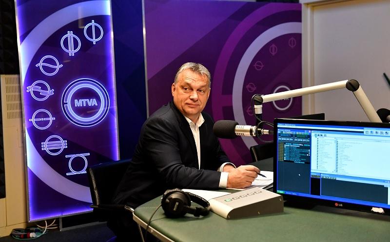Orbán Viktor az MTVA stúdiójában 2016. novemberében