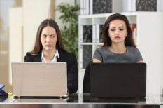 alkalmazott, főnök, konfliktus, konfliktuskezelés, munkahely, munkahelyi hangulat, munkavállaló, pszichológia