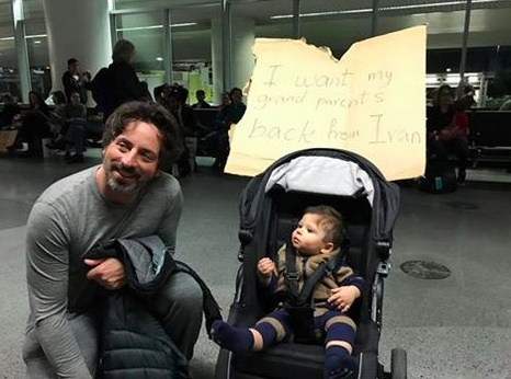Szergej Brin a San Francisco-i reptéren látogatta meg a tüntetőket.