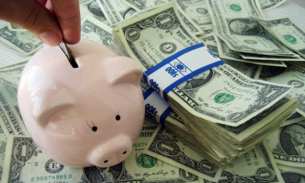 malacperselybe dobott pénz