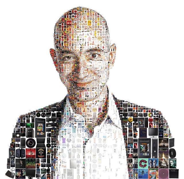 Jeff Bezos képmása: Az életem bitekből áll. (fotó: Charles Tsevis/flickr)