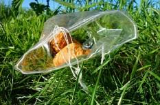 betiltás, bírság, környezetszennyezés, műanyag, plasztik, pohár, szatyor, tilalom, zacskó