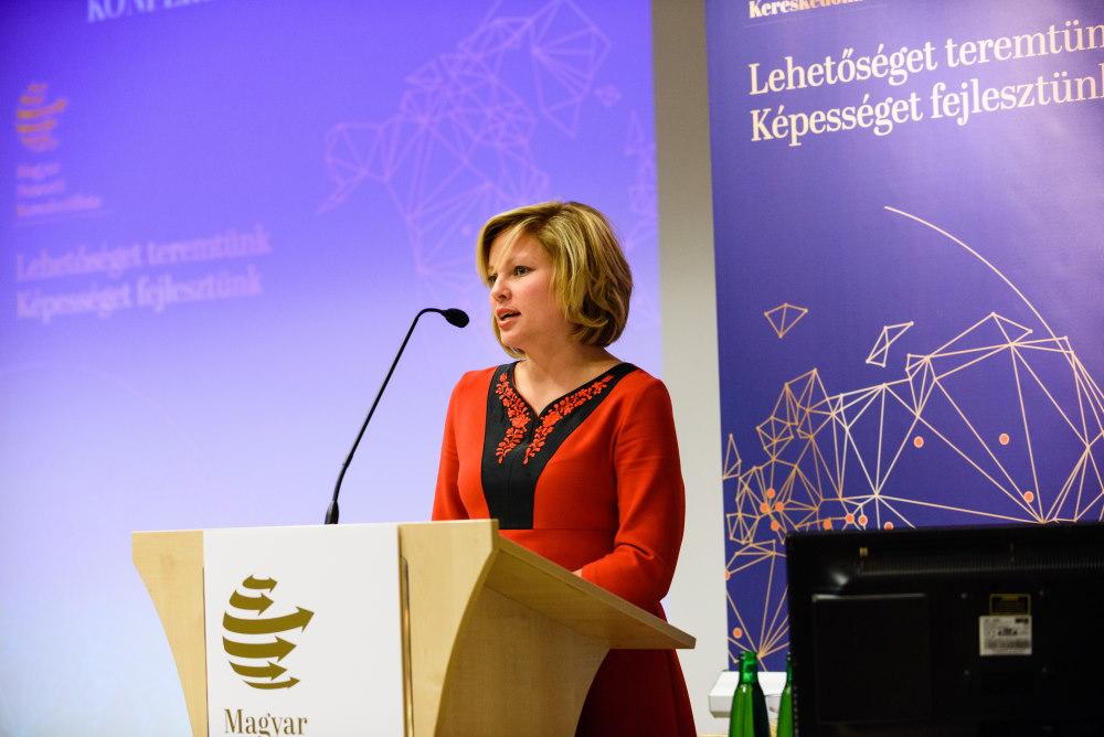 Oláh Zsanett fotó: Hatlaczki Balázs