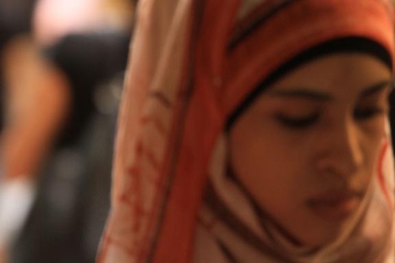 muszlim kendős nő