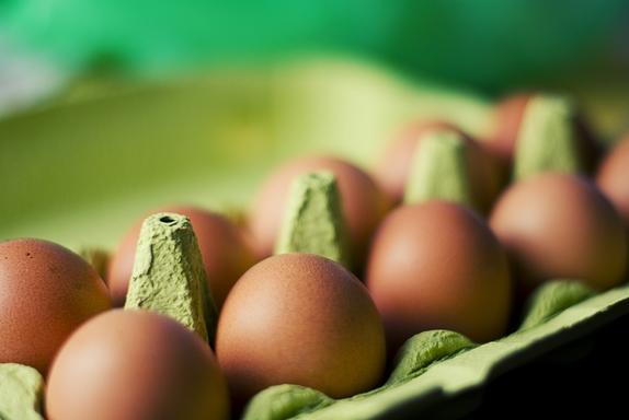 tojások dobozban