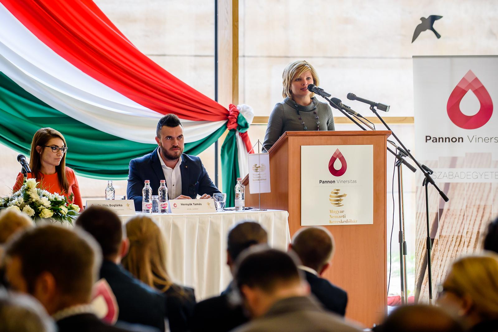 Oláh Zsanett az MNKH vezérigazgatója Kép:MNKH