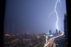 biztosítás, biztosítók, eső, időjárás, vihar, viharkár, viharkárok