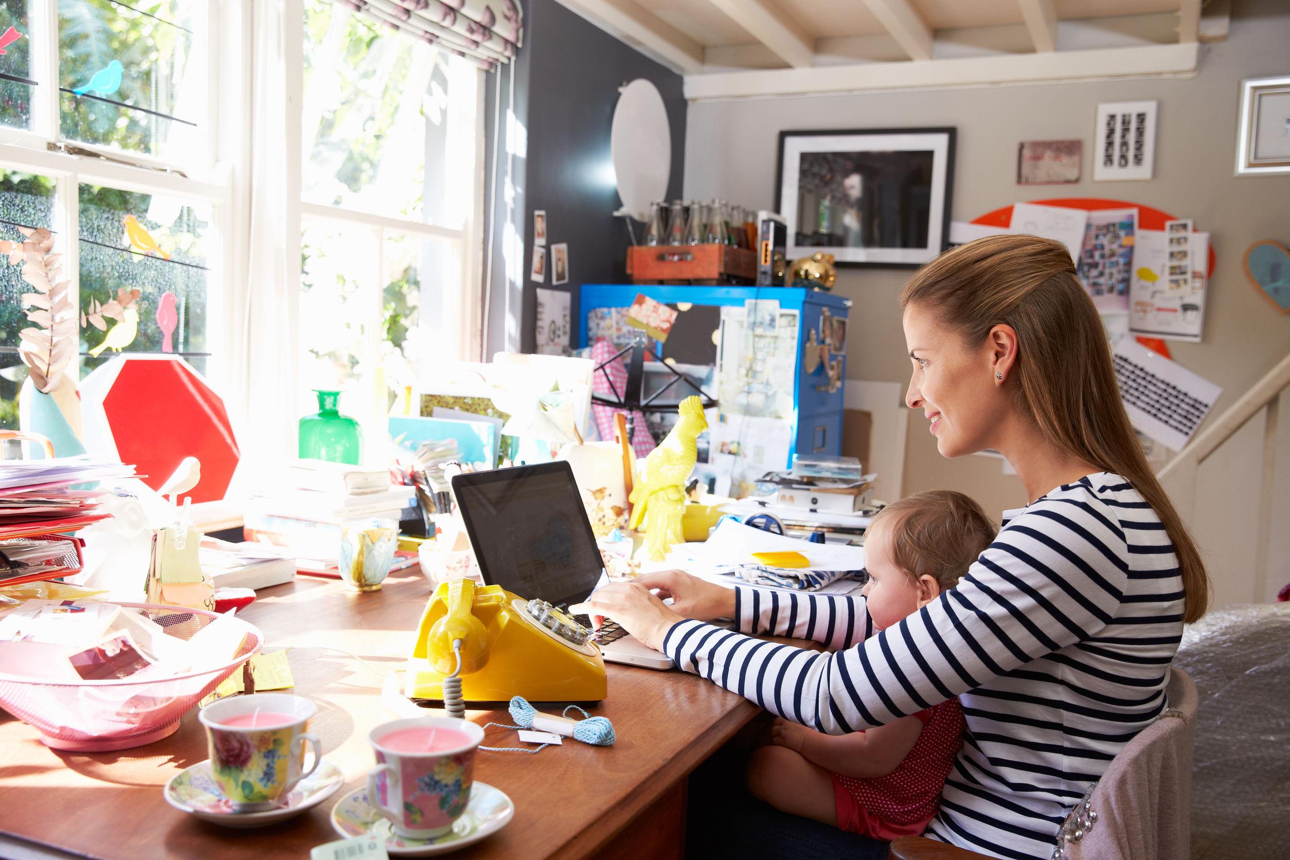 távmunka otthonról gyerekkel