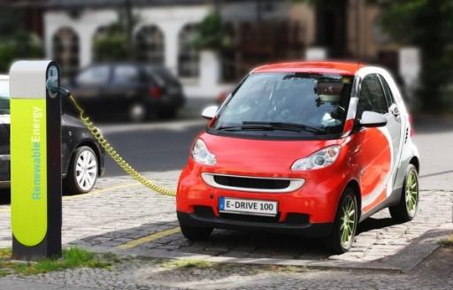 elektromos autó töltőn